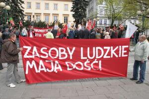 Święto Pracy: socjaliści i narodowcy przeszli przez centrum