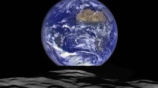 Wschód Ziemi widziany z orbity Księżyca. NASA opublikowała niesamowite zdjęcie
