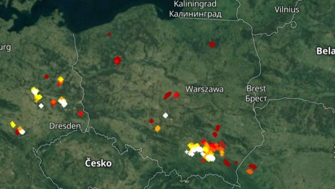 Burzowe chmury nad Polską. Sprawdź, gdzie grzmi