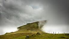 Tunel chmury, Carneddau, Północna Walia (fot. Steve M. Smith)